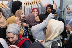 Islamic clothing firm opens first London store