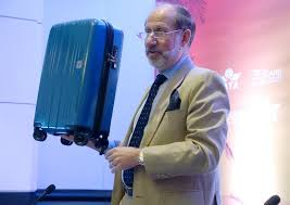 Airline industry proposes perfect-size carry on bag