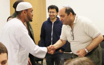 Jews & Muslims Break The Fast Together in London